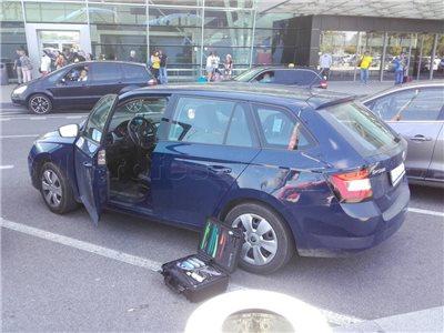zabuchnute kluce v aute skoda fabia