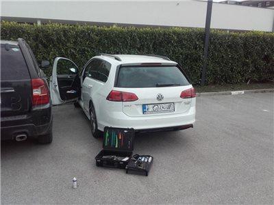 zabuchnute auto