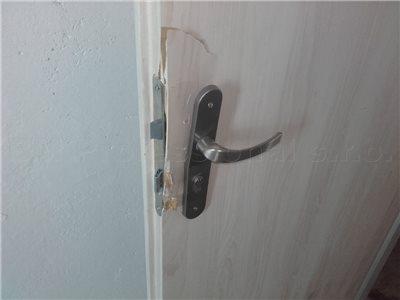 Oprava dverí po vlámaní