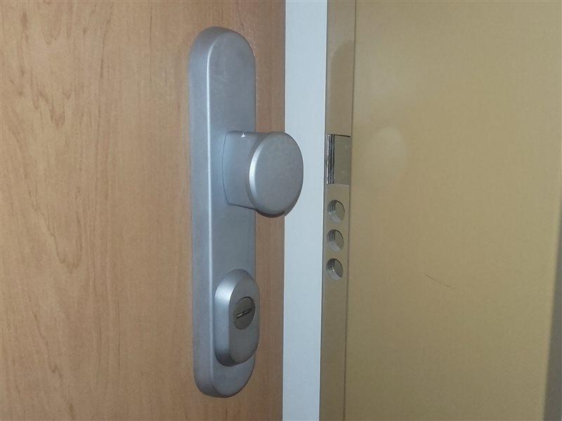 Otváranie dverí